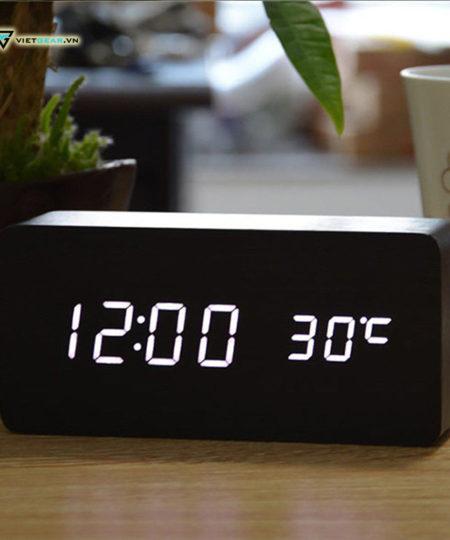 Đồng hồ gỗ led chữ nhật sang chảnh, thanh lịch