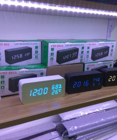 Đồng hồ gỗ led V1, vỏ trắng chữ trắng, hiện nhiệt độ, có báo thức